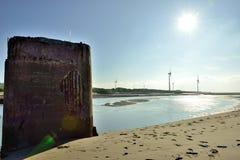 Las ondas estralladas sobre la playa Imagen de archivo libre de regalías