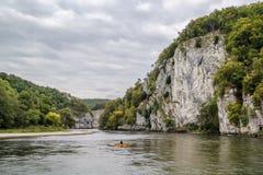 Las orillas rocosas del Danubio, Alemania Imagenes de archivo
