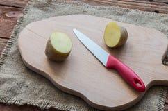 Las patatas crudas Fotos de archivo libres de regalías