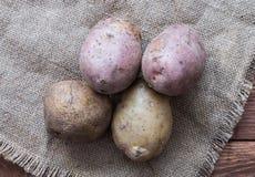 Las patatas crudas Fotografía de archivo libre de regalías