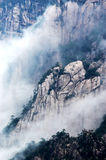 Las piedras extrañas en el montaje Huangshan Imagen de archivo