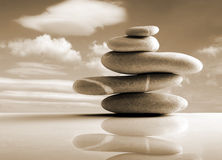 Las piedras llenan, estilo del zen, color de la sepia Fotografía de archivo