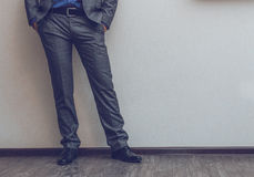 Las piernas del hombre de negocios Fotografía de archivo
