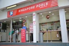Las piscinas de Singapur son el único operador legal de la lotería en Singapur Fotografía de archivo