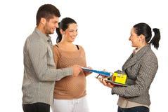 Las propiedades inmobiliarias dan el contrato a los pares Imagen de archivo libre de regalías