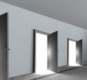 Las puertas abren mostrar la luz brillante blanca brillante Fotografía de archivo