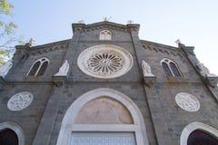 Las puertas de la iglesia fotos de archivo