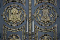 Las puertas a la iglesia Imágenes de archivo libres de regalías
