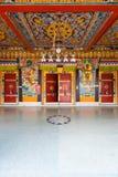 Techo V de las puertas de entrada del monasterio de Rumtek fotos de archivo