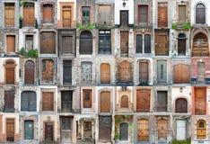 Las puertas y las puertas de la vendimia fijaron 1 imagenes de archivo