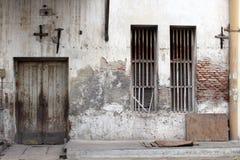 Las puertas y las ventanas alrededor de Kota Lama Old Town, Semarang, Ind Imagen de archivo