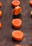 Las rebanadas de la zanahoria Imagenes de archivo