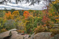 Las repisas pasan por alto el parque nacional del valle de Cuyahoga fotografía de archivo libre de regalías