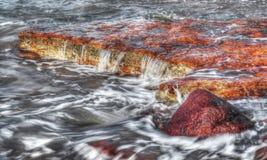Las rocas con lavarse agitan en Nightcliff, Territorio del Norte, Australia Fotografía de archivo