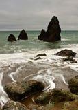 Las rocas de la playa del rodeo Foto de archivo