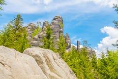 Las rocas en el parque nacional de Adrspach-Teplice oscilan - la República Checa Foto de archivo