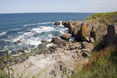 Las rocas en la orilla del Mar Negro imagen de archivo libre de regalías