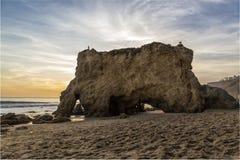 Las rocas en la playa Imagen de archivo