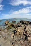 Las rocas y el mar Fotografía de archivo