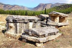 Las ruinas antiguas de Hierapolis Foto de archivo libre de regalías