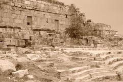 Las ruinas antiguas de Hierapolis Imagen de archivo libre de regalías