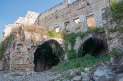 Las ruinas antiguas del estilo del este de los edificios Imagen de archivo libre de regalías
