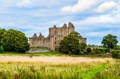 Las ruinas de Craigmillar se escudan en Edingurgh, Escocia imágenes de archivo libres de regalías