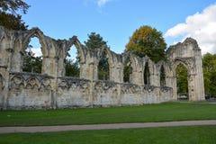Las ruinas de la abadía del ` s de St Mary en York Foto de archivo