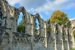 Las ruinas de la abadía del ` s de St Mary en York Imágenes de archivo libres de regalías