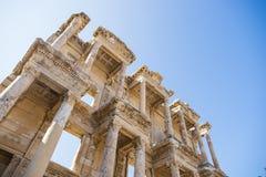 Las ruinas de la biblioteca de Celsus en Ephesus Foto de archivo
