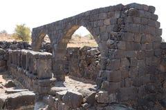 Las ruinas de la ciudad hebrea antigua Korazim Horazin, Khirbet Karazeh, destruido por un terremoto en el ANUNCIO del siglo IV, e fotografía de archivo libre de regalías