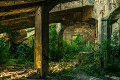 Las ruinas de la fábrica Fotos de archivo libres de regalías