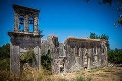 Las ruinas de la iglesia vieja Imagen de archivo libre de regalías