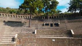 Las ruinas de la ruina vieja de la ciudad del anfiteatro turco Atracción arqueológica Ciudad antigua Hierapolis cerca de Marmaris almacen de video