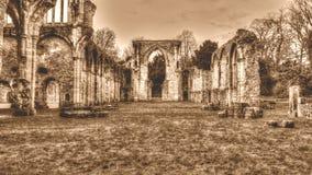 Las ruinas de la sepia cisterciense de HDR del monasterio de la abadía F de Netley entonan Fotos de archivo