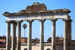 Las ruinas de Roman Forum en Roma, Italia Foto de archivo