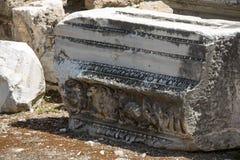 Las ruinas del amphitheatre romano antiguo en lado Fotos de archivo libres de regalías