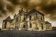 Las ruinas del castillo de Banffy en Bontida imagen de archivo libre de regalías