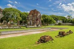 Las ruinas del palacio del ` s de rey Narai en el reino de Ayutthaya Foto de archivo
