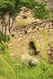 Las ruinas del pueblo de Hunot en el barranco de Hunot Fotos de archivo