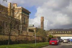 Las ruinas del tribunal histórico del camino de Crumlin en Belfast Irlanda del Norte que fue dañada por el fuego y es wai Fotos de archivo libres de regalías