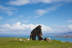 Las ruinas en los argumentos de la primavera hermosa británica de Iona Abbey Scotland resisten en este hito histórico Fotos de archivo libres de regalías