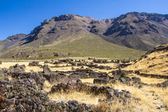 Las ruinas pre de la ciudad Maukallakta del inca Foto de archivo libre de regalías