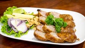Las salchichas fermentadas tailandesas deliciosas Sai Krok Isan del noreste Fotos de archivo