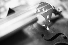 Las secuencias: ascendente cercano del violoncelo Foto de archivo