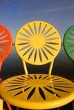 Las sillas de Uw se alinearon el primer Fotografía de archivo