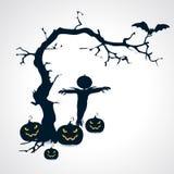 Las siluetas del símbolo de Halloween del espantapájaros, de las calabazas, del palo y del árbol - vector el ejemplo Imagen de archivo