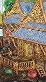 Las tallas de piedra culturales de Tailandia en las paredes son fuertes, beauti Fotos de archivo libres de regalías