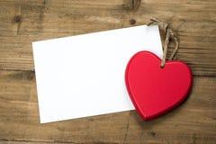Las tarjetas del día de San Valentín cardan con el corazón Imagen de archivo libre de regalías