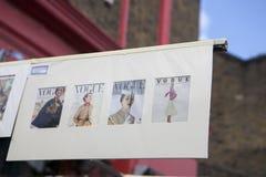 Las tarjetas hermosas para la venta en el mercado de Portobello cerca de Notting Hill bloquean Londres Fotos de archivo